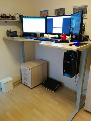 Vysunutý pracovní stůl